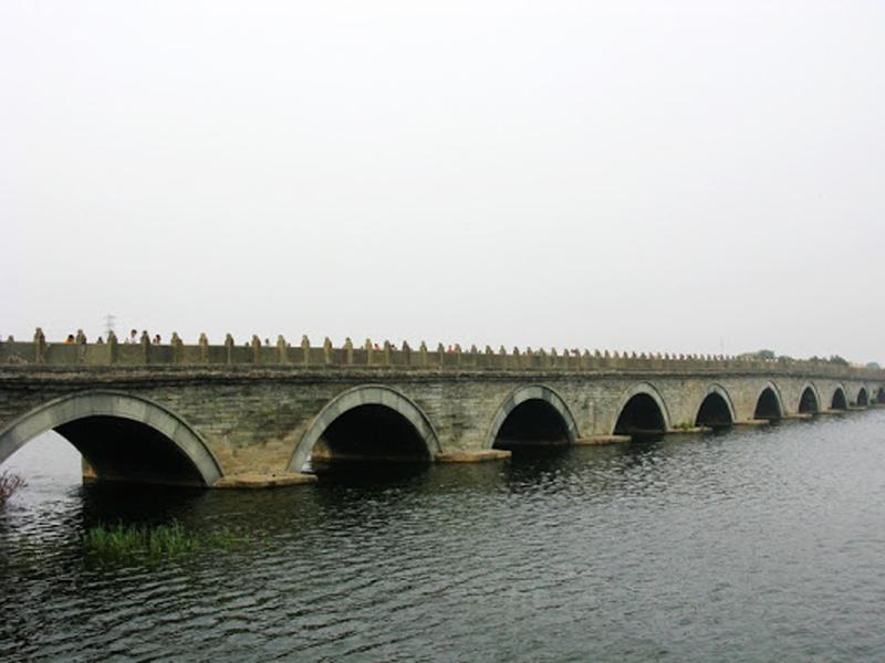 پل مارکوپلو چین پلی با 485 شیر سنگی