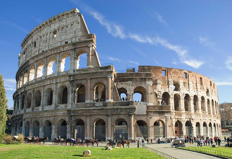 آمفی تئاتر کولوسئوم تماشاخانه ای در رم باستان
