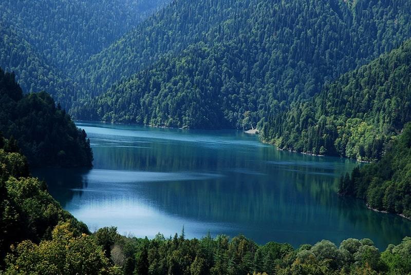 دریاچه ریتسا گرجستان طبیعتی بکر و رویایی