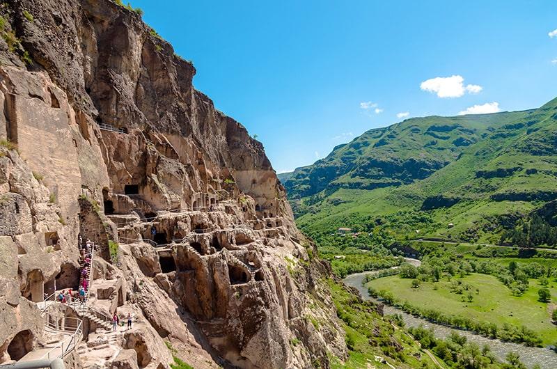 واردزیا شهری سنگی در دل کوههای گرجستان