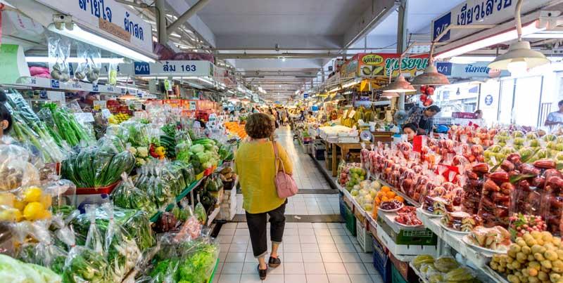 اور تور کور بهترن بازار مواد غذایی تازه در بانکوک