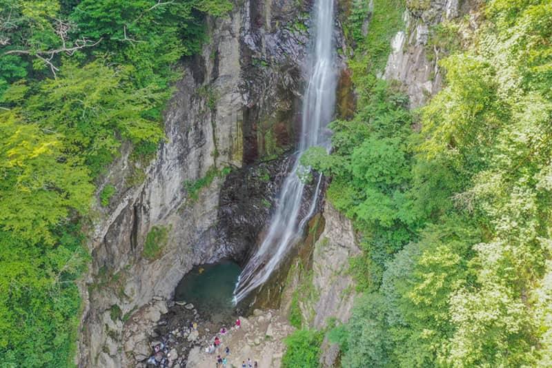 آبشار ماخونتسی باتومی مرتفع ترین آبشار منطقه آجارا