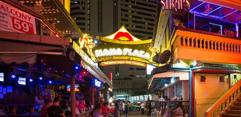 خیابان نانا پلازا بانکوک بزرگ ترین تفریح گاه بزرگسالان