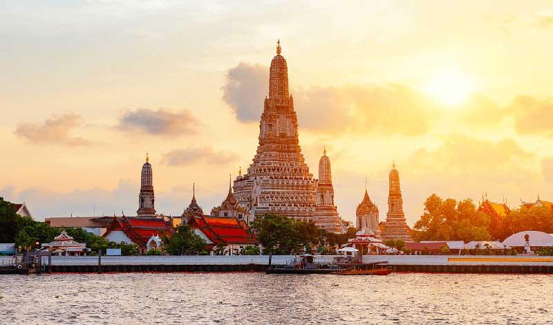 معبد وات آرون بانکوک را از رودخانه تماشا کنید