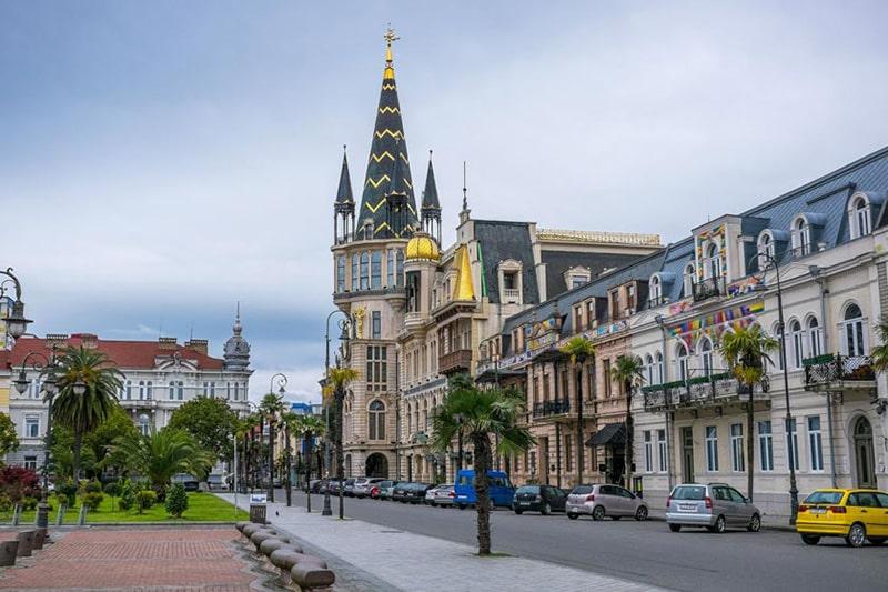 میدان اروپا در باتومی محوطه ای به سبک سازه های اروپایی