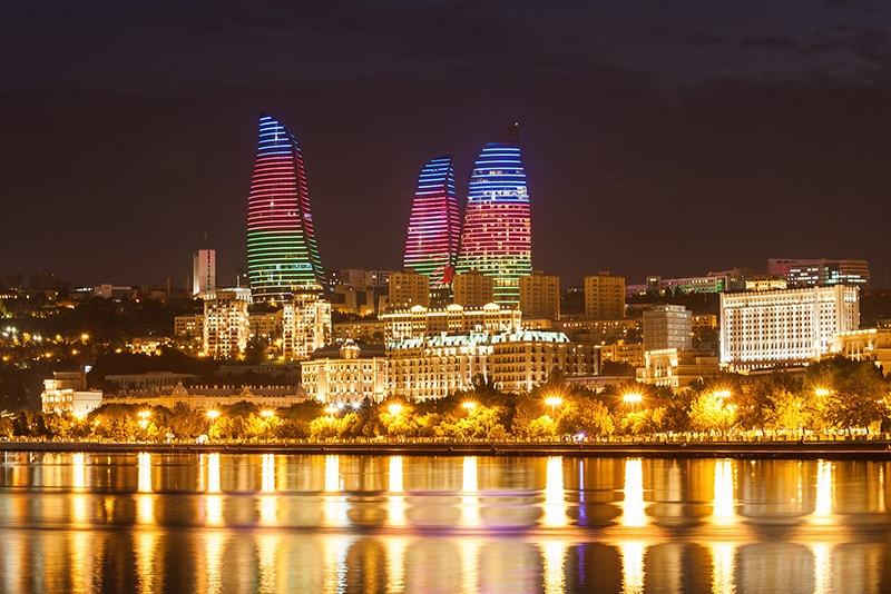 برج های شعله باکو شعله های ابدی مدرن آذربایجان