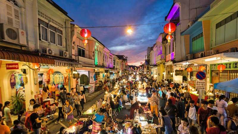 بازار شب آخر هفته پوکت برای خرید سوغاتی از تایلند