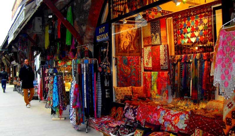 بازار آراستا مرکز خرید سنتی در دل استانبول