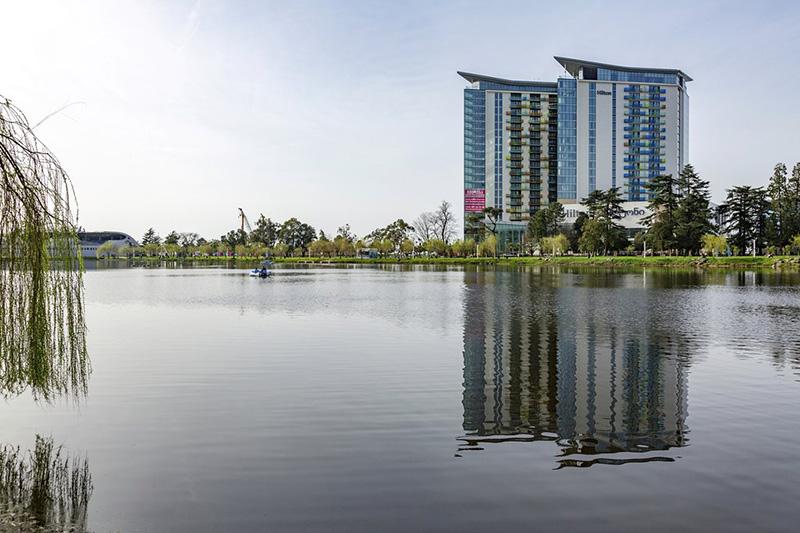 پارک ششم می در باتومی اولین بوستان شهر
