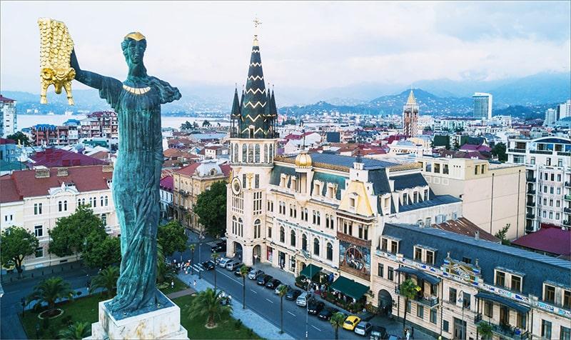 تندیس مدئا، مجسمه شاهزاده یک افسانه یونانی در باتومی