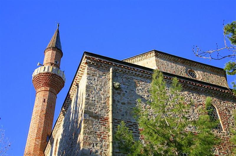 مسجد امیر بدر الدین یا آندیزلی در آلانیا