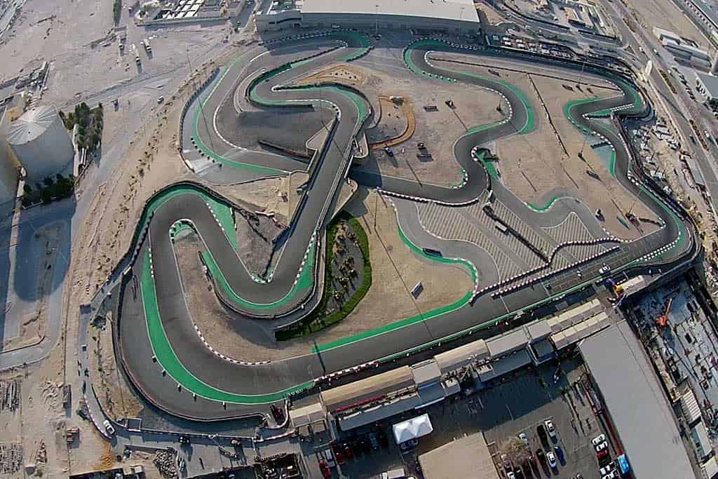 آتودروم دبی از معروف ترین پیست های اتومبیل رانی دنیا