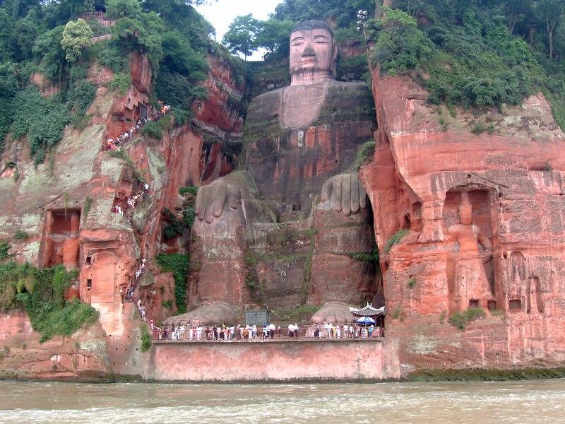 مجسمه بودای لشان