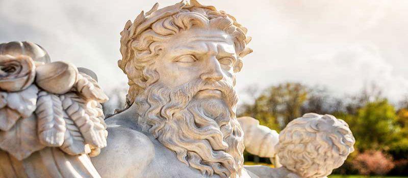 تندیس زئوس خدای خدایان در المپیا