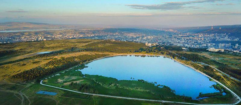 دریاچه لیسی تفلیس حوضه ای کوچک در جلگه رود کورا