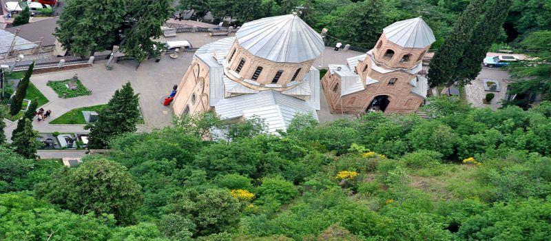 معبد متاتسمیندا تفلیس آرامگاه مشاهیر گرجی