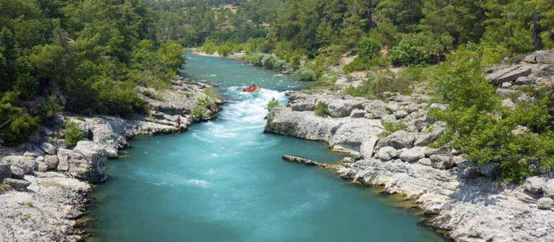 تور رافتینگ آنتالیا در رودخانه های پرخروش