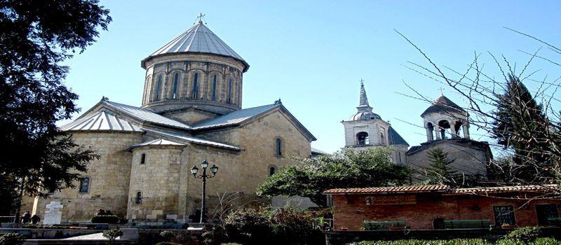 کلیسای سیونی تفلیس عبادتگاهی کهن با نمای داخلی چشمنواز