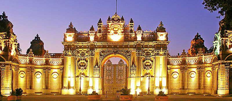 کاخ دلما باغچه استانبول از جمله کاخ های لوکس عثمانی