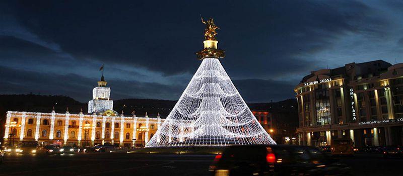 میدان آزادی تفلیس بنای یادبود آزادی شهر