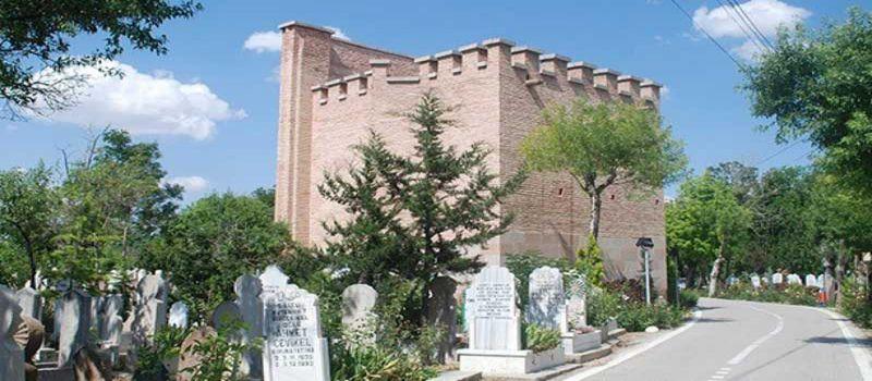 مقبره گومچ خاتون، مقبره ای با سبکی متفاوت در قونیه