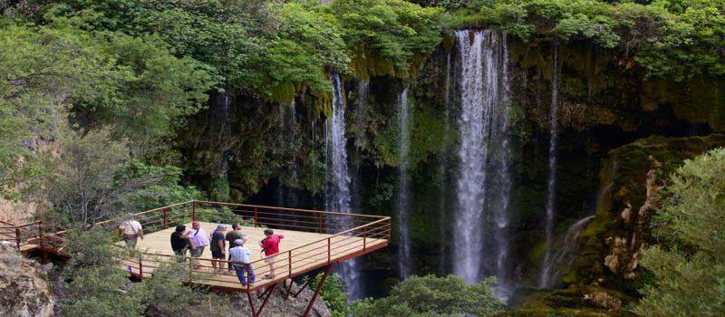 آبشار یرکوپرو آبشاری با آب کربناته در قونیه