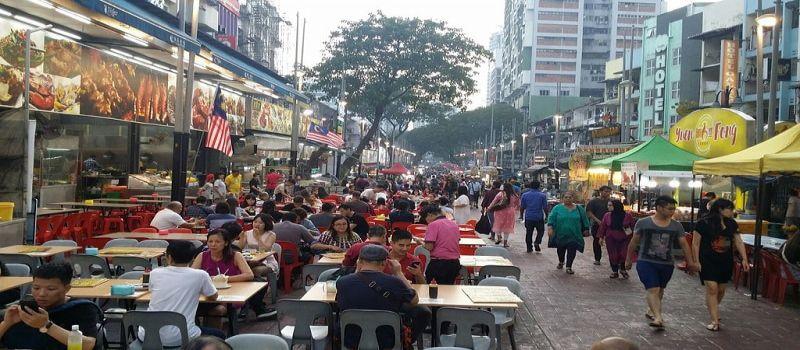 غذاهای با کیفیت و ارزان در خیابان جالان آلور مالزی