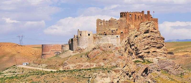 قلعه وان دژی که سال ها زیر آب بود