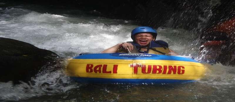 کانیون تیوبینگ بالی، تیوب سواری در تنگه های رودخانه بالی