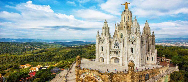 زیباترین کلیساهای بارسلونا اسپانیا