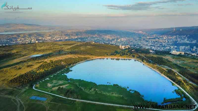 دریاچه لیسی در تفلیس